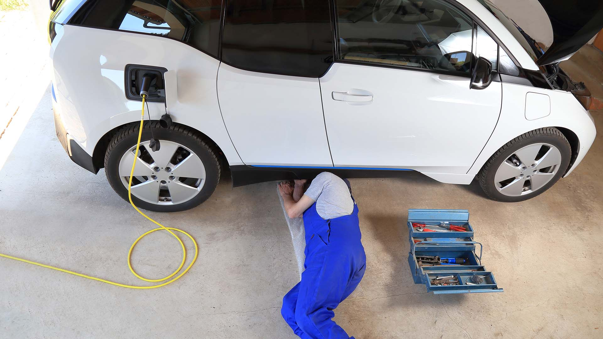 BMW i3 electric car and mechanic