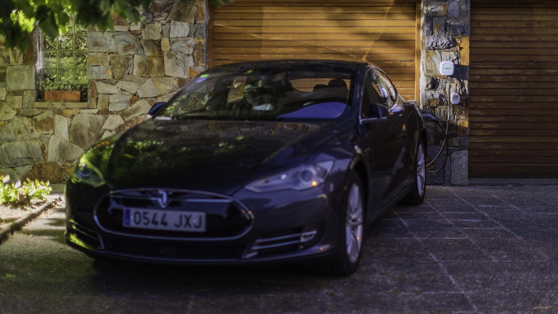 Wallbox and Tesla Model S