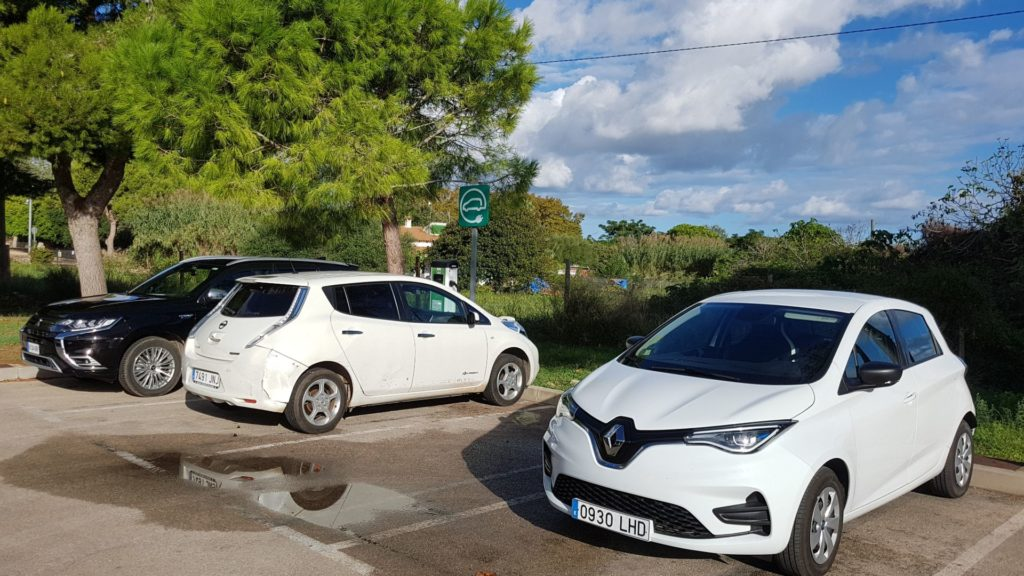 Renault Zoe and Nissan Leaf